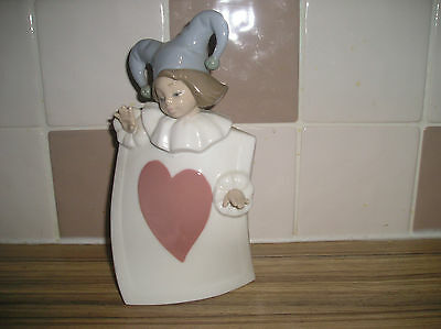 Nao Jester Playing Card Figure (Hearts)