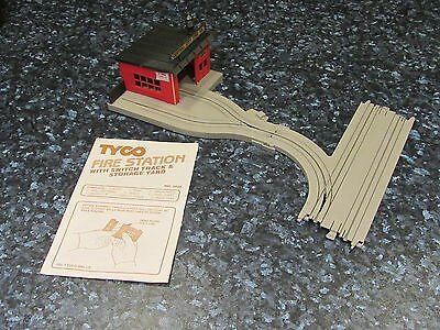 Rare Tyco Us1 Ho Scale Fire Station With Switch Track & Storage Yard