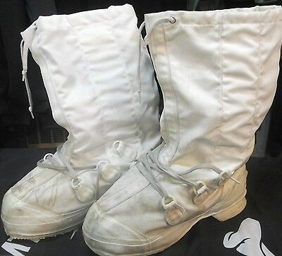 CANADIAN ARMY MUKLUKS  - WINTER ARCTIC BOOTS  size 10