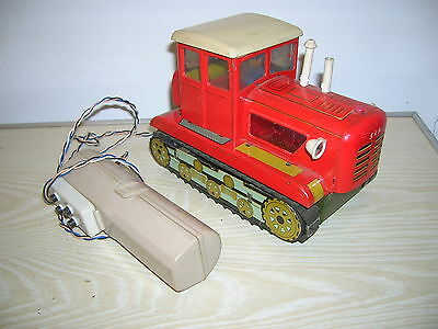 Red China Tintoy - BATTERY OPERATED Tracktor Typ 461 MF 701 - ca. 70er Jahre