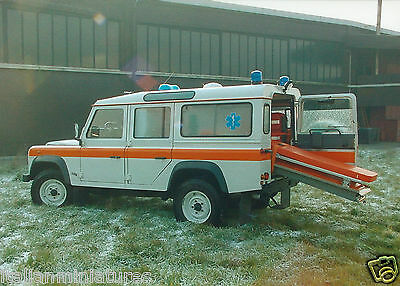 Land Rover Defender 110 SW Ambulance Original Press Mint Condition