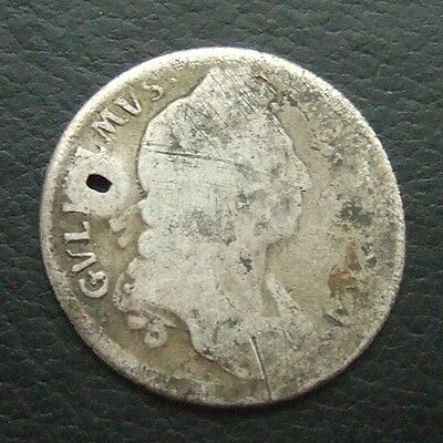 Gb 1695-97 William Iii Sterling Silver One Shilling : Date Worn & Holed #32