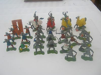 Britainsl toy soldiers 1/32 Knights & archers 3 mounted plastic hong kong 1970s