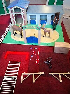Appleyard Riding school. ELC Wooden stables with accessories.