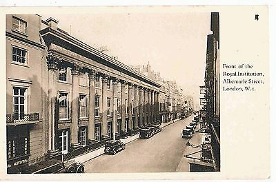 LONDON - PPC - FRONT OF THE ROYAL INSTITUTION, ALBERMARLE STREET, LONDON W.1930s