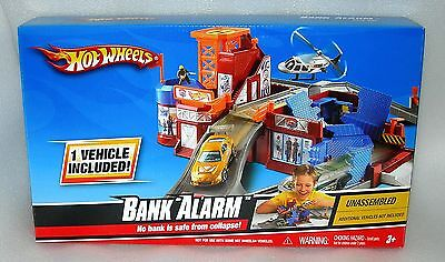 Hot Wheels Bank Alarm Play Set Inc. 1 Car - New & Sealed