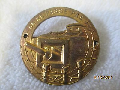Ww11 French Defence Breast   Badge