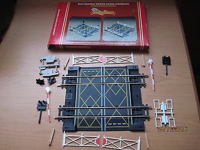 Hornby Double Track Level Crossing
