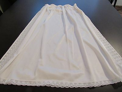 Vintage Ivory Nylon Half Slip w Side Lace Trim Size Medium