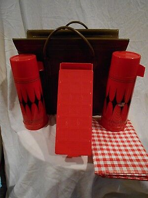 Aladdin Picnic Set-2 Thermos/Sandwich Box/Table cloth & Carrier