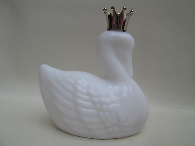A Beautiful Vintage Glass Perfume Bottle - White Swan
