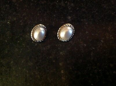 9ct Gold and Pearl Butterfly back Earrings -Argos