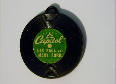 VINTAGE GUMBALL MACHINE CAPITAL RECORD CHARM - MARY FORD & LES PAUL 1950s