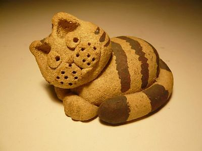 CUTE Methil Moggie stoneware small lying CAT Scottish Collectable 8cm long