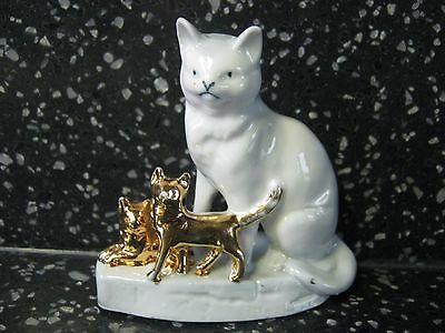VTG. Made in Germany Porcelain Mama Kitty & Two Gold Kittens Figurine # 1823 EXC