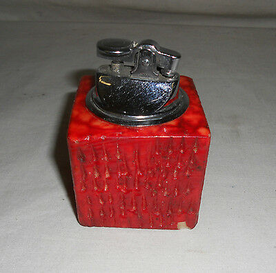 Rare VINTAGE Traditional Collectable Red Stone Cube TABLE LIGHTER 6cm x 6cm