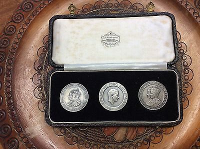Three Kings 1936 silver Medals in original box by Frattorini of Harrowgate
