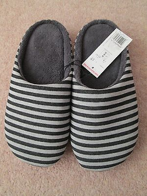 Men's Slippers Size 7/8 (New With Tags)