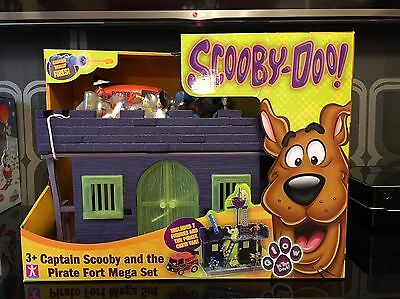 Scooby-Doo Captain Scooby and The Pirate Fort Mega Playset-Glow In The Dark