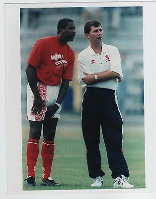 BRYAN ROBSON & VIV ANDERSON MIDDLESBROUGH 8x10 INCH PRESS PHOTOGRAPH
