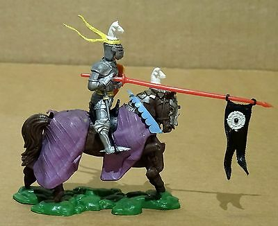 Britains Swoppet Mounted Knight Attacking With Lance -Complete-Excellent ! (24)