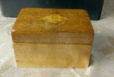 VINTAGE OAK BOX - PLAYING CARD WOODEN STORAGE BOX - HOLDS 2 PACKS OF CARDs
