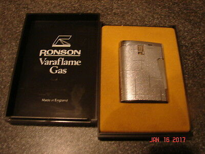 VINTAGE  RONSON  LIGHTER Tobacciana Smoking RETRO