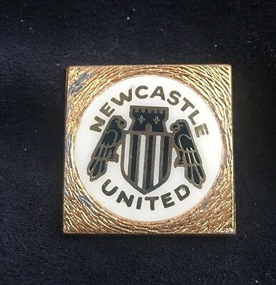 Newcastle United Fc Football Club Old Insert Original Vintage Pin Badge Rare