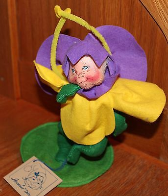 """Annalee 7"""" Yellow Flower Kid with Stand #1598 Dated 1993"""