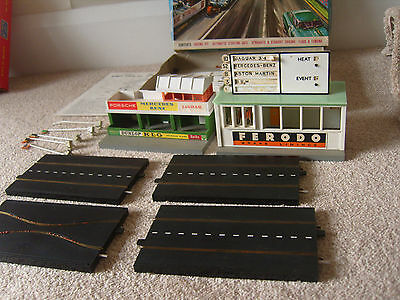 rare Tri-ang Minic Motorway Superb Circuit Extension Set with Triang Buildings