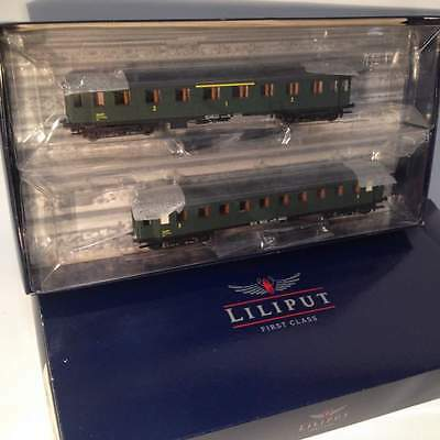 Liliput L350006 2 coach set 1/2nd class and 3rd class of the French SNCF HO