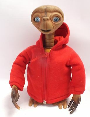 Vintage E.T. Interactive Speaking Moving Light Up TOY By Tiger Electronics - T15