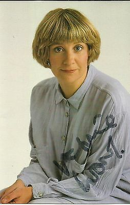 1953-2016 VICTORIA WOOD, glossy colour photo, ORIGINALLY SIGNED!