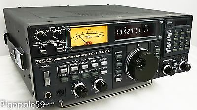 Icom IC-R7000 VHF UHF FM Radio Receiver 25 MHz thru 1999 MHz Reception