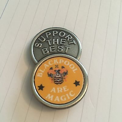 Blackpool Are Magic SUPPORT THE BEST    FOOTBALL INSERT METAL BADGE