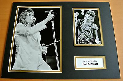 ROD STEWART HAND SIGNED AUTOGRAPH 16x12 PHOTO MOUNT DISPLAY MAGGIE MAY FACES COA