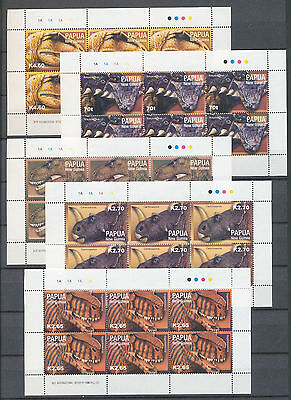 PAPUA PNG 2004 Dinosaurs Five Values x Sheets of Six MNH(30 Stamps)Pap237