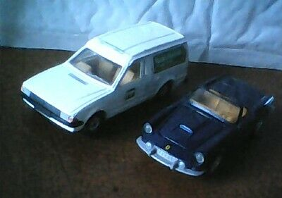 CORGI -  FORD ESCORT mk3 VAN   &   FERRARI   1:36  O GAUGE DIE CAST  MODEL CARS