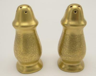 Pickard Gold Encrusted Rose and Daisy Salt Pepper Shakers 8 Hole