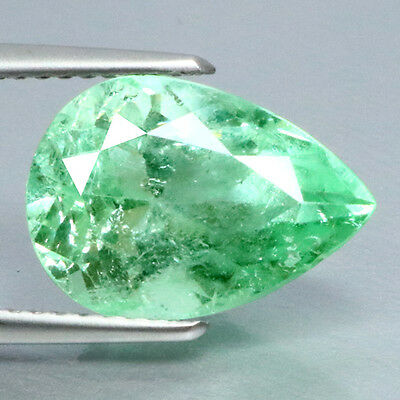 4.57 Ct Eye Catching! Stunning Rearast 100%natural Green Colombian Emerald.