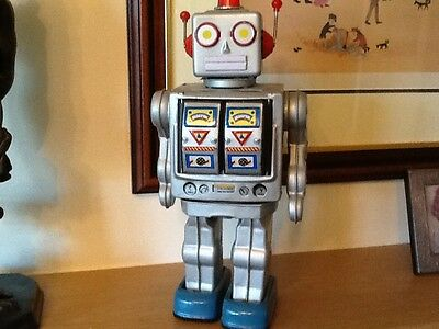 Vintage Tin Space Man Robot Battery Operated Item