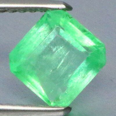 1.15 Ct Awesome ! Charming Rearast 100%natural Green Colombian Emerald.