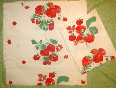 Vintage 1940's Strawberry Tablecloth Cutter Pieces for Crafts Pillows Runners