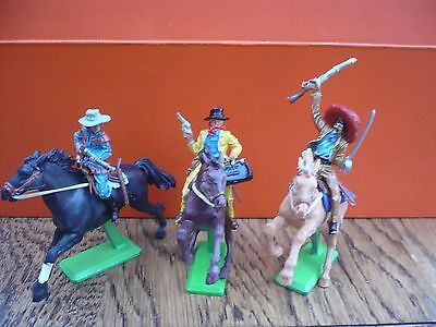 Britains Deetail 3 Mounted Cowboys Toy  Soldiers