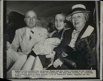 1947 Press Photo President & Mrs Harry Truman & daughter Margaret - nep03114