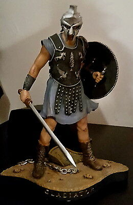 Gladiator Movie Statue Russel Crowe inkl OVP 22 cm limitiert Nr 74 / 1500