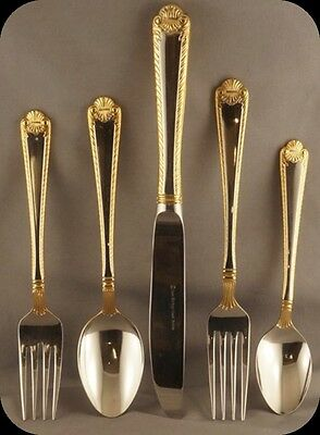 Heritage Classic Shell Gold Stainless 5 Piece Place setting