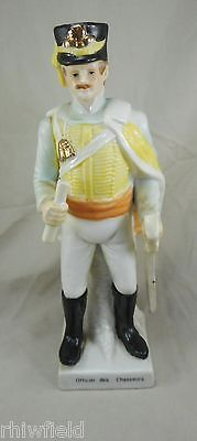 Officier Des Chasseurs (19th Century) Modern Porcelain Figurine 9.2 inches tall