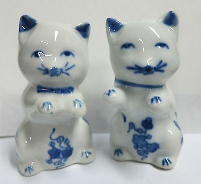 Vintage Porcelain Blue & White Cat kitten  Salt and Pepper Shakers SHIPS FAST