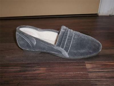 LADIES VTG 1970s GRAY VELOUR SLIPPERS SANITIZED HOUSE SHOES Sz 5 NOS